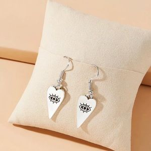 3/$30 🤍 Heart and Eye Charm Earrings